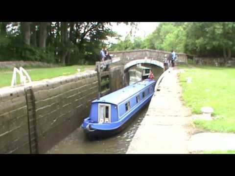 Narrowboats   Gargrave   Leeds and Liverpool Canal round   north yorkshire  Walks