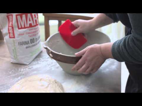 How to use a Dough Scraper