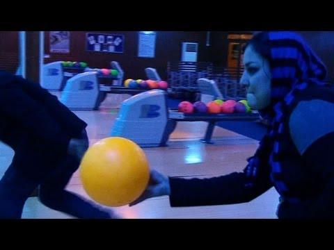 Erste Bowlingbahn in Afghanistan eröffnet