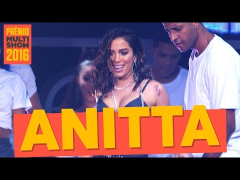Anitta se apresenta no Premio Multishow 2017