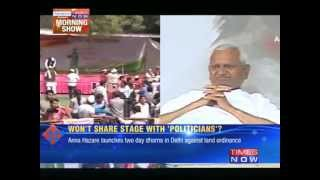 Anna holds protest in Delhi