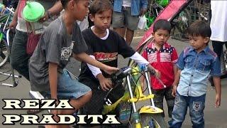 Video Aksi NGGEMESIN BOCAH CILIK REZA PRADITA Di Kelas BRACKET 9 Detik ; Batang BSMC Drag Bike SERI 2 MP3, 3GP, MP4, WEBM, AVI, FLV September 2017