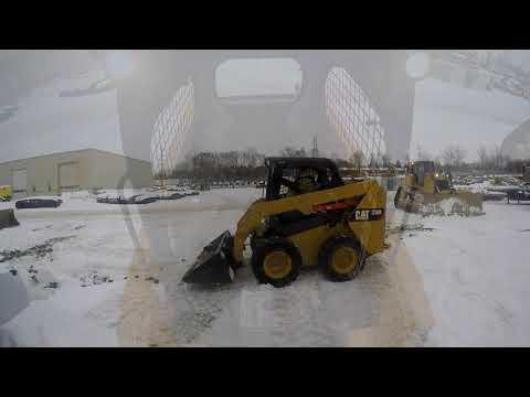 CATERPILLAR SKID STEER LOADERS 236D equipment video X1OkJ4qjrD0