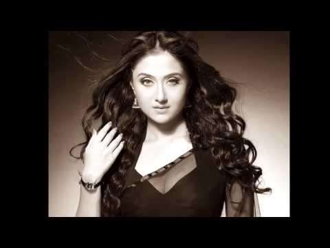 Pk  Anushka Sharma Hot Lip Lock Scene