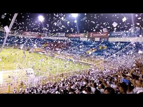"""Recibimiento Alianza FC de """"visita"""" - Slow Motion - La Ultra Blanca y Barra Brava 96 - Alianza"""