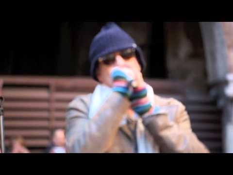 biagio antonacci - pazzo di lei - sorpresa in piazza a milano
