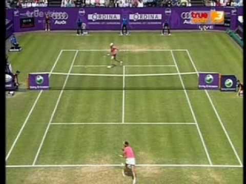 Yanina Wickmayer ante Tamarine Tanasugarn en la final de Rosmalen 2009