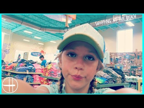 Shopping at the beach for souvenirs and a gift for Annie | Snapchat Saturday family fun hopes vlogs