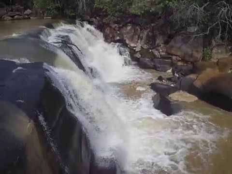 Cachoeira do Rio Claro em Chapada Gaúcha