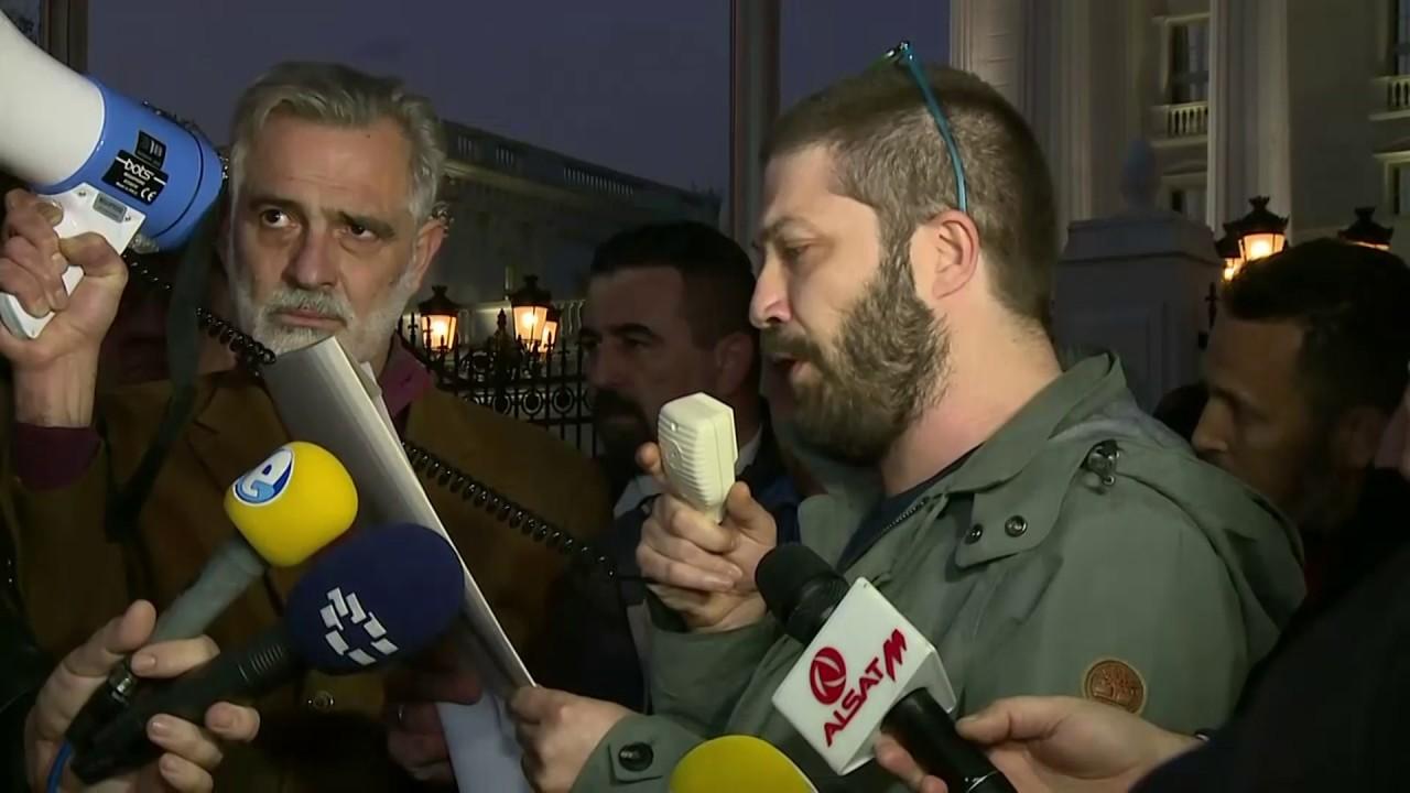 Дурловски: Ниту една партија да не прифаќа платформи подготвени во други држави