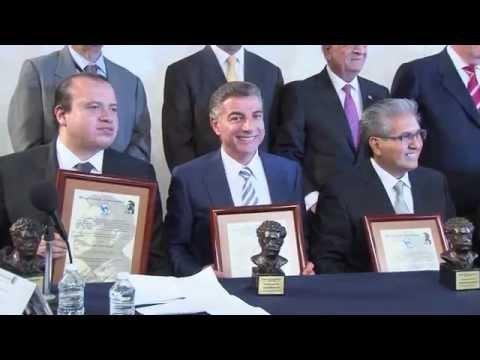 Alcalde Gali recibe Presea