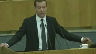 МЕДВЕДЕВ ЗАПРЕТИЛ ГОВОРИТЬ О ФИЛЬМЕ Гитлер 1945 Навальный 2018