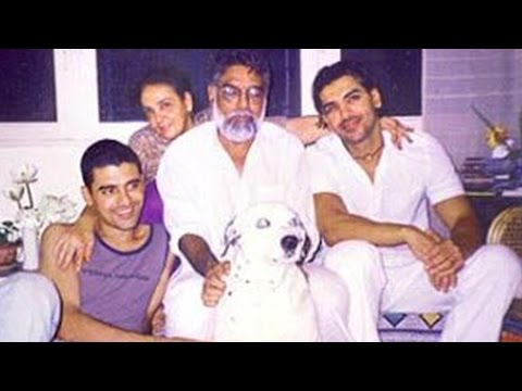 John Abraham's Unseen Photos With His Family!