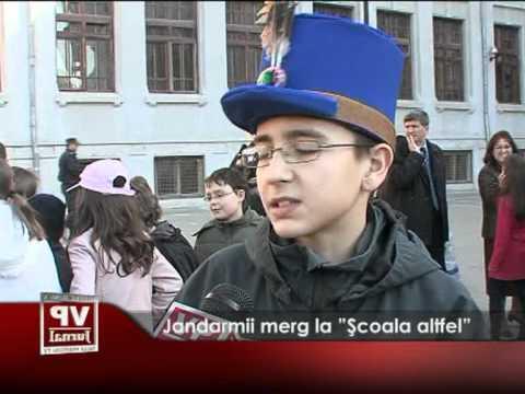"Jandarmii merg la ""Școala altfel"""