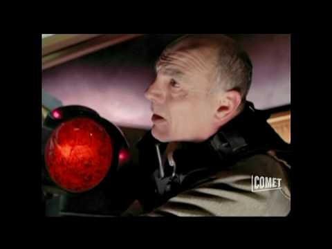 Stargate SG1 - Replicators Take Apophis' Ship (Season 5 Ep. 1)