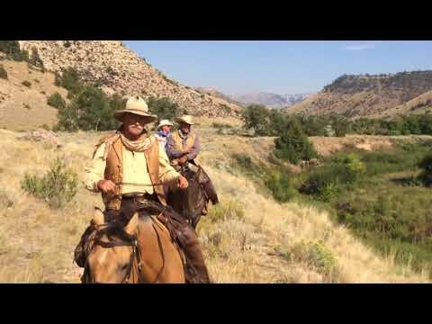 Le Wyoming A Et Montana Bétail Entre Travailler Cheval TxqpgPF