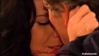 Acacia y Estaban se dan su primer beso.SUSCRIBETE!