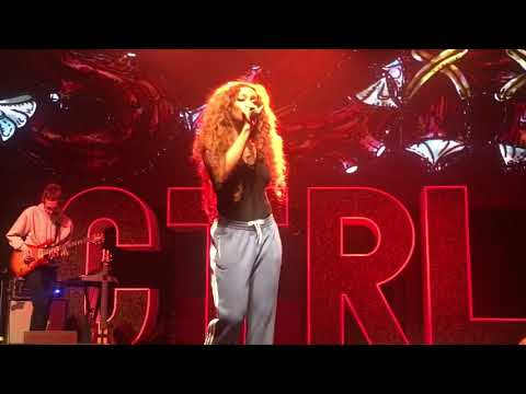 SZA CTRL TOUR | LIVE THE WEEKEND + BROKEN CLOCKS & MORE!!