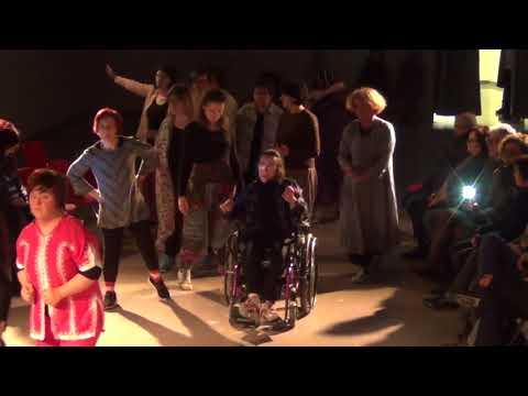 Migranti: Performance di danza