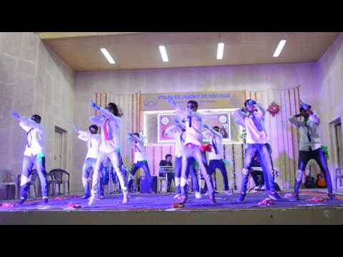 Funny Dance Performance In Chavat Boys Style.