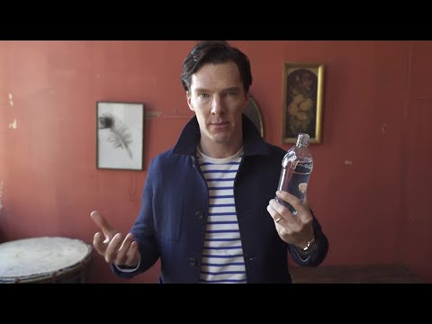 Benedict Cumberbatch Does a Magic Trick