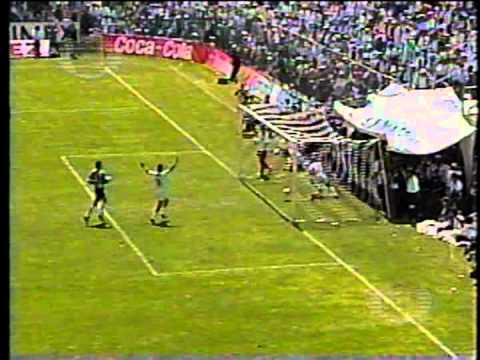 TOROS CELAYA - Fragmento del gol anotado por Amarildo y con el cual los Toros del Atlético Celaya lograban el ascenso a la primera división.