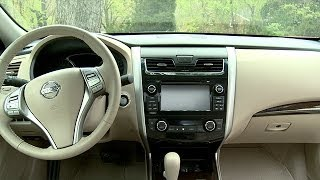 10. 2014 Nissan Altima Interior Review