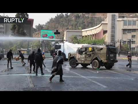 Santiago unrest   Anti-govt protesters demand release of detained youths