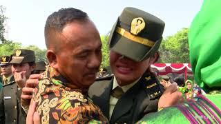 Video Presiden Jokowi Lantik 724 Perwira TNI dan Polri di Istana Merdeka, 19 Juli 2018 MP3, 3GP, MP4, WEBM, AVI, FLV Desember 2018