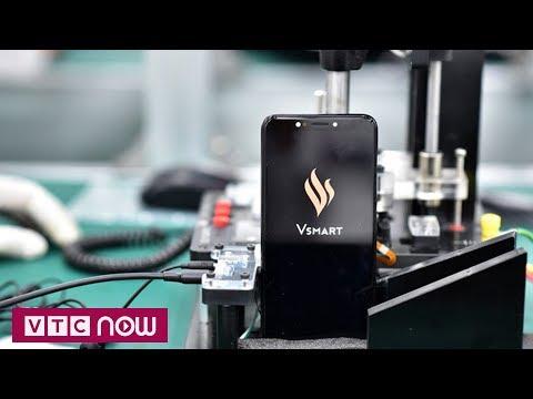 Có gì bên trong nhà máy sản xuất điện thoại Vinsmart? - Thời lượng: 59 giây.