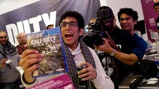Call of Duty: Ghosts fans queue overnight for new game