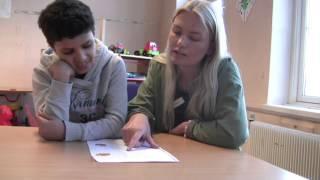 This video is about Lærer norsk på mobilen.
