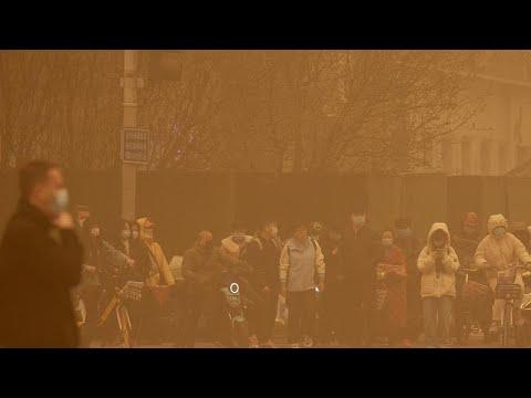"""Pékin """"aveuglée"""" par une épaisse ¨tempête de sable"""