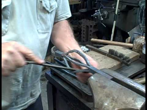 Forging a Basket Twist the Traditional Way