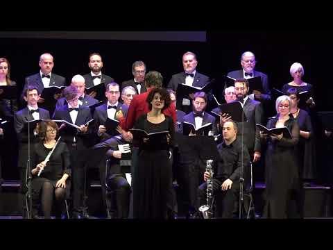 Grande festa per i venti anni del Vox Cordis al teatro Petrarca