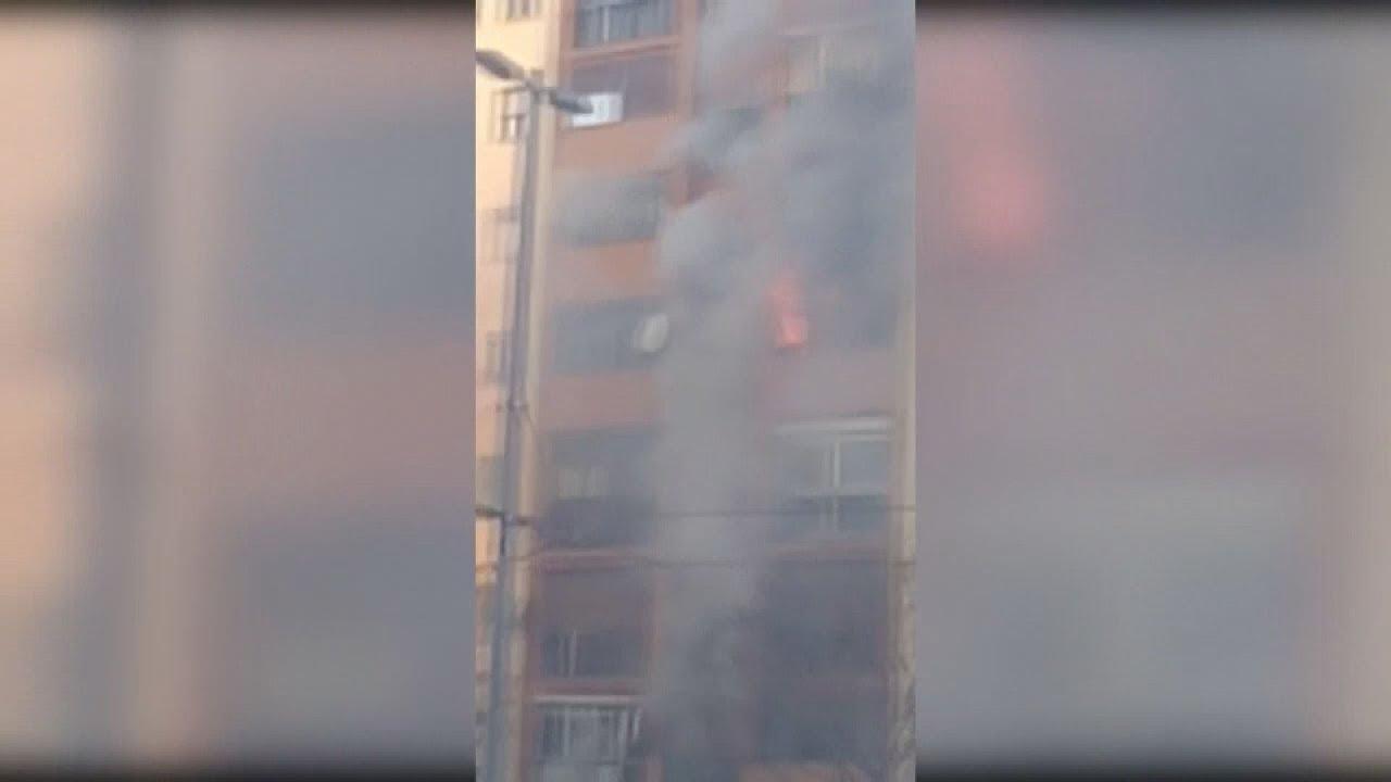 Τρεις νεκροί από πυρκαγιά σε 6ωροφη πολυκατοικία στην Καταλωνία