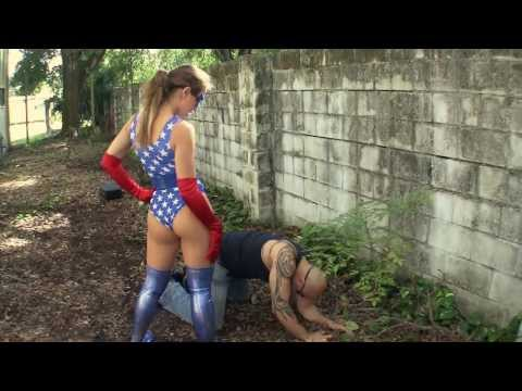 superheroine tied up