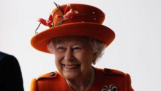 Video Queen Elizabeth II funny moments - Part 2 MP3, 3GP, MP4, WEBM, AVI, FLV Juli 2018