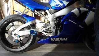 10. 2001 Yamaha YZF R1 Coffman shorty exhaust with baffle installed.