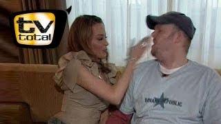 Kylie Minogue Klatscht Raab Eine! - TV Total