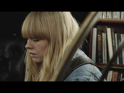 Lucy Rose - Love Song