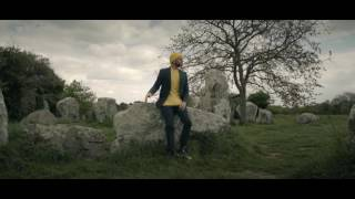 Keen'V - Sally ( clip officiel ) - YouTube