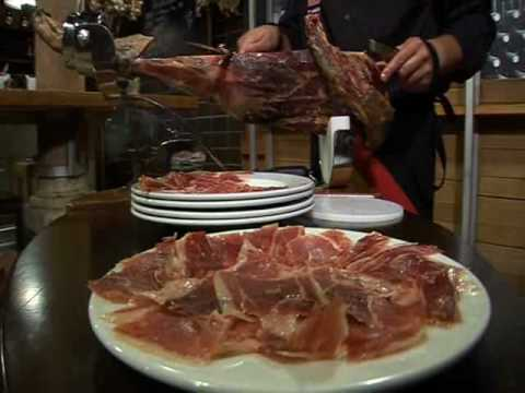 How to cut spanish cure ham with an expert: Diego Hernández