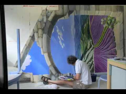 Angelica Trompe l'Oeil: a mural in 2'52