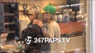 Download Video Justin Bieber and Hailey Baldwin Drive around NYC 081418 MP3 3GP MP4