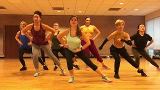 "Video ""7 RINGS"" Ariana Grande - Dance Fitness Ballet Barre with Gliders Valeo Club MP3, 3GP, MP4, WEBM, AVI, FLV Maret 2019"