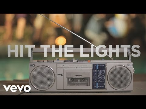 Selena Gomez & The Scene - Hit The Lights (Lyric Video) 1