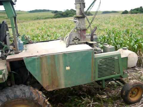 ensiladeira - ZS Maquinas desenvolvimento de ensiladeiras autopropelidas para produção de silagem de milho,sorgo,aveia,azevem,etc. Sananduva-RS (54)96571261,(54)99775792.