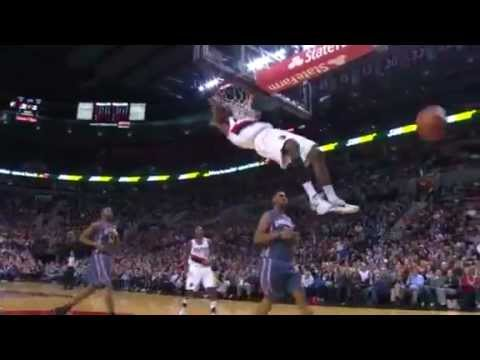 Elliot Williams two-handed dunk on the Bobcats