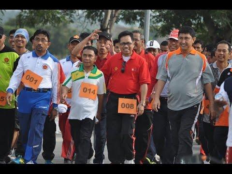 Dok  Humas Untad, Jalan Santai Dies Natalis Universitas Tadulako Ke 35 Tahun